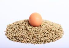 Lentejas con el huevo Foto de archivo libre de regalías