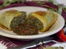 Lentejas vegetarianas rellenas con tkemali fotografía de archivo libre de regalías