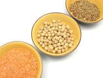 Lenticchie dei ceci e lenticchie rosse Fotografie Stock Libere da Diritti