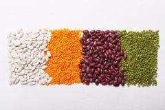 Lenticchie sulla tavola Questo legume contiene molta proteina vegetale fotografia stock
