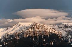 Lentikulare Wolke stockbilder