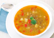 Lentil soup in bowl Royalty Free Stock Photos