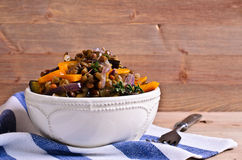Lentilhas cozinhadas com vegetais foto de stock