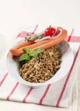 Lentilhas e salsichas de Viena imagens de stock