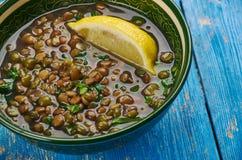 Lentilhas indianas cozinhadas com espinafres Fotos de Stock Royalty Free
