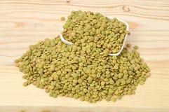 Lentilhas verdes secas Fotos de Stock