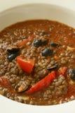 Lentille avec la tomate et de l'olive photographie stock libre de droits
