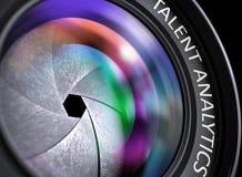 Lentille de plan rapproché d'appareil-photo réflexe avec l'Analytics de talent 3d Image libre de droits