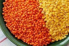 Lentilles rouges et jaunes Photo libre de droits