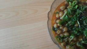 Lentilles traditionnelles Channa/Chola Masala ou cari de pois chiches ou bhature de chole photographie stock libre de droits