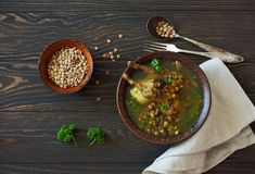 Lentlis и суп грибов с триперстками стоковая фотография rf