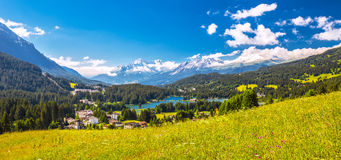 Lenzerheide wioska z Haidisee w Szwajcarskich Alps Obraz Royalty Free