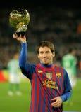 Leo Messi sostiene la sua sfera dorata Fotografia Stock