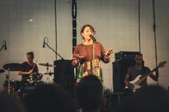 Leon Somov und Jazzu auf seinem Konzert während des Mirum-Musik-Festivals Stockbild