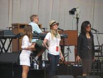 Leonard Cohen-band het reharsing in Luca, 9 Juli 2013 Stock Foto's