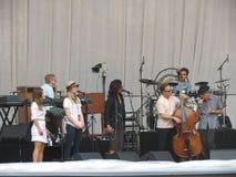 Leonard Cohen musikband som reharsing i Lucca, 9 Juli 2013 Royaltyfri Bild