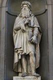 Leonardo da Vinci-standbeeld in Florence royalty-vrije stock afbeeldingen