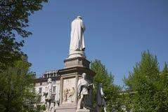Leonardo Da Vinci Statue royaltyfria foton