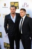 Leonardo DiCaprio & Jonah Hill Arkivbild