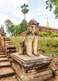 Leone birmano 2 del guardiano Immagini Stock Libere da Diritti