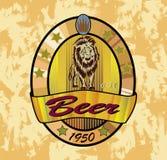 Leone della birra, insegne sull'argomento con birra Fotografie Stock Libere da Diritti