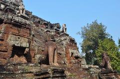Leone di pietra al tempio di Phimeanakas, Cambogia Fotografia Stock