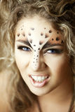 leopard κοριτσιών όπως την πολυτ Στοκ Φωτογραφία