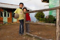 Lepcha chłopiec trzyma futbol Obraz Stock