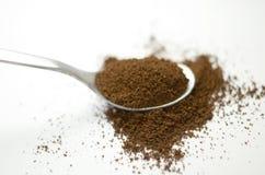 Lepel met koffie Royalty-vrije Stock Afbeeldingen