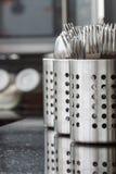 Lepelmateriaal in keuken royalty-vrije stock afbeeldingen