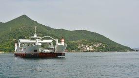 Lepetane aan Kamenari-Veerboot Stock Afbeeldingen