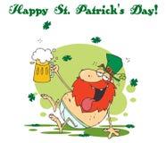 Leprechaun στο εσώρουχό του, που κρατά ψηλά μια μπύρα απεικόνιση αποθεμάτων