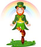 Leprechaun afortunado da dança do dia do St. Patrick Foto de Stock Royalty Free