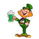Leprechaun allegro con una tazza di birra verde Fotografia Stock