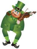 Leprechaun di giorno della st Patricks che gioca violino Fotografie Stock Libere da Diritti