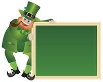 Leprechaun di giorno della st Patricks con la lavagna Immagini Stock Libere da Diritti