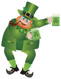 Leprechaun do dia do St Patricks com cerveja Foto de Stock Royalty Free