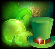 Leprechaun hat, clover and gold coins Royalty Free Stock Images