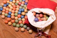 Lera marmorerar bollar retro toys Tappningleksaker Forsrull-/lekmarmor Royaltyfria Foton