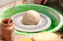 Lera på ett hjul för keramiker` s Royaltyfri Foto