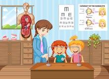 Leraar en studenten die in wetenschapsklaslokaal leren Royalty-vrije Stock Afbeelding
