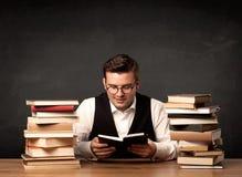 Leraar met boeken Stock Fotografie