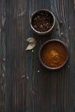 Lerabunkar med blandade peppar Royaltyfri Fotografi
