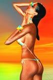 Leren riembikini Aantrekkelijke brunette Stock Foto's