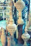 Lergods i marknaden, Djerba, Tunisien fotografering för bildbyråer