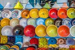 Lergods i marknaden, Djerba, Tunisien arkivfoto