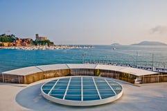 Lerici typisk by, slott och port i Liguria Royaltyfri Bild