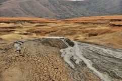 Lerig vulkankrater Royaltyfri Fotografi