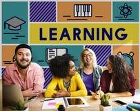 Lernen des Studien-Bildungs-Wissens-Bildungs-Konzeptes lizenzfreie stockfotos