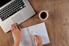 Lernen die Sprache on-line Lizenzfreies Stockfoto